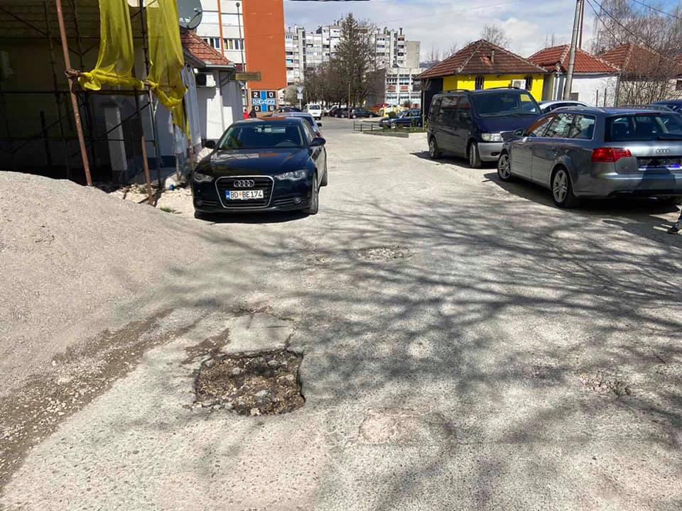 """Čitaoci šalju: Ulica Živka Nikolića u """"lošem stanju"""""""