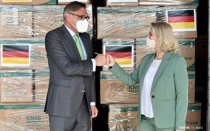 Savezna Republika Njemačka, donacija, maske