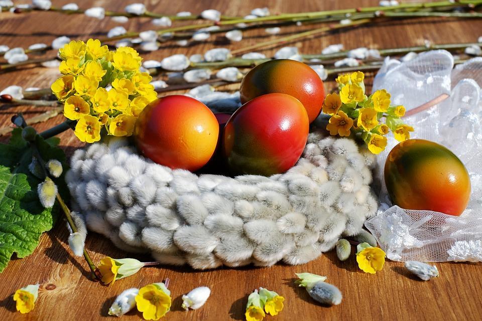 Uskrs i Vaskrs, običaji i farbanje jaja