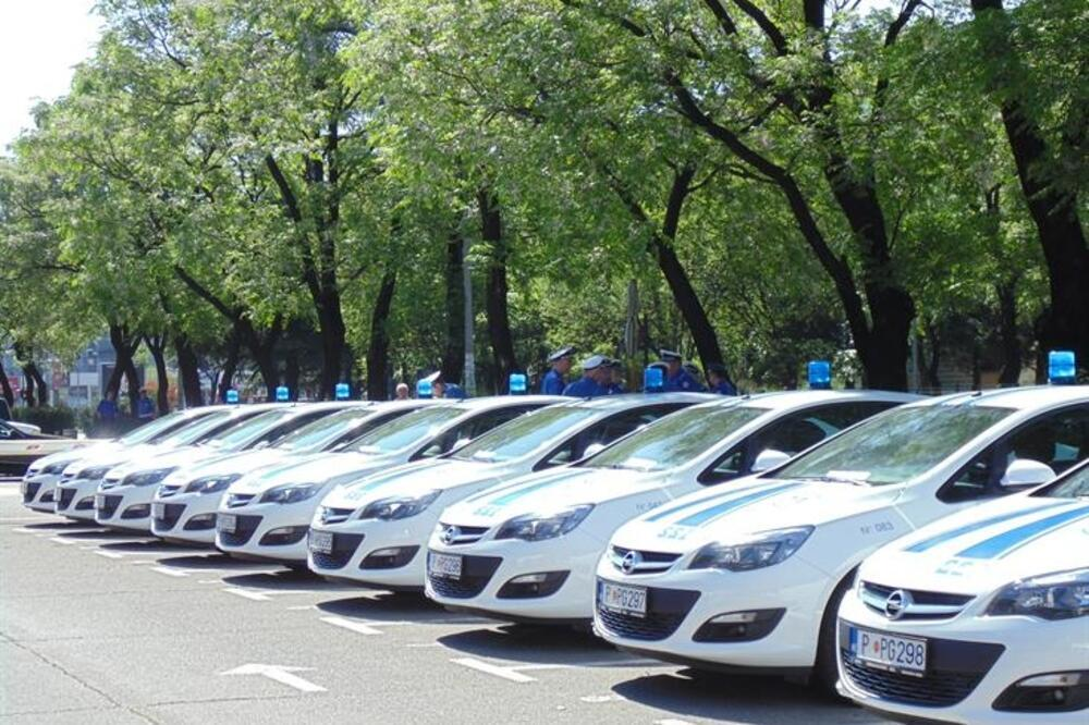 Vlada, vozila, lizing