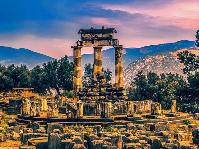 Delfi, centar drevnog svijeta