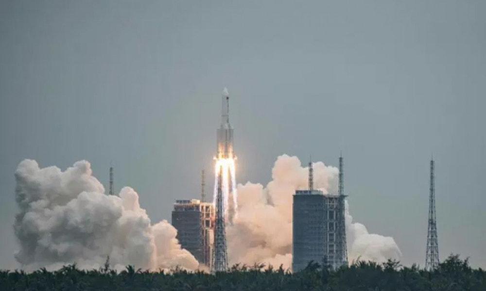 Ostaci kineske rakete će večeras ili rano ujutru pasti na Zemlju
